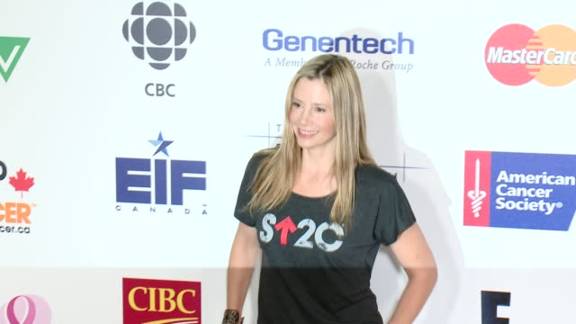 Mira Sorvino at Stand Up To Cancer 2014 at Dolby Theatre on September 05 2014 in Hollywood California