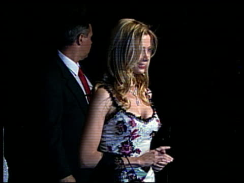 mira sorvino at the 2002 academy awards vanity fair party at morton's in west hollywood california on march 24 2002 - オスカーパーティー点の映像素材/bロール