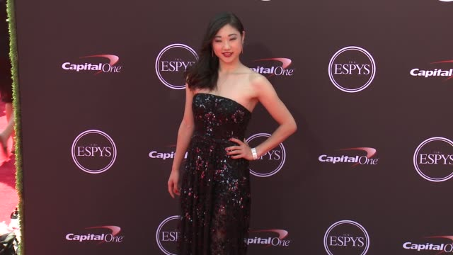 vídeos de stock, filmes e b-roll de mirai nagasu at the 2018 espys at microsoft theater on july 18 2018 in los angeles california - espy awards