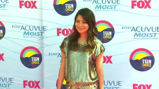 miranda cosgrove at 2012 teen choice awards on 7/22/12 in los angeles, ca - ユニバーサルシティ点の映像素材/bロール