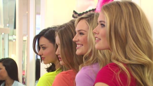 miranda kerr rosie huntingtonwhiteley candice swanepoel and doutzen kroes at the victoria's secret models share shopping secrets of a supermodel at... - miranda kerr stock videos and b-roll footage