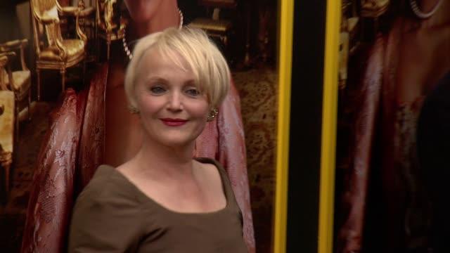 "miranda richardson at ""belle"" new york premiere - arrivals at the paris theater on april 28, 2014 in new york city. - ミランダ リチャードソン点の映像素材/bロール"
