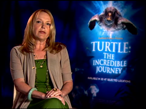 miranda richardson on if she's more of an advocate for marine life since doing the film. at the 'turtle: the incredible journey' junket at los... - ミランダ リチャードソン点の映像素材/bロール