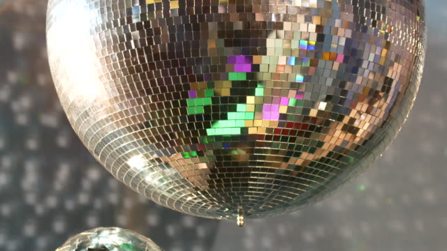 4K Mirror & Disco ball at night, Christmas