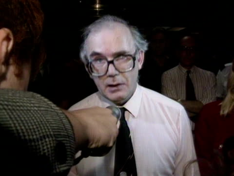 mirror group employee bob cole makes a speech to the press about robert maxwell's death - robert maxwell stock videos and b-roll footage