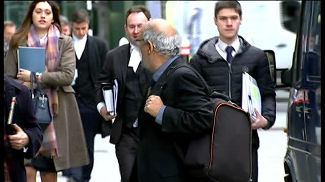 vídeos y material grabado en eventos de stock de mirror group phone hacking trial: alan yentob gives evidence; england: london: ext alan yentob arriving at court with others - alan yentob