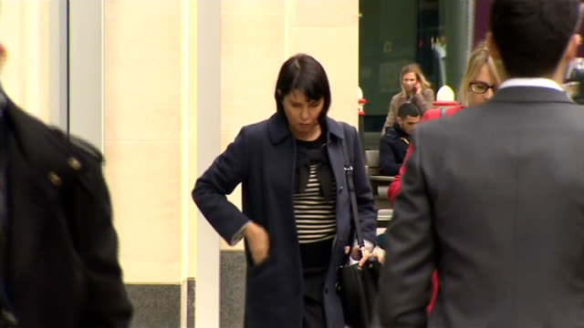 Sadie Frost arrival ENGLAND London PHOTOGRAPHY** Sadie Frost along and into court