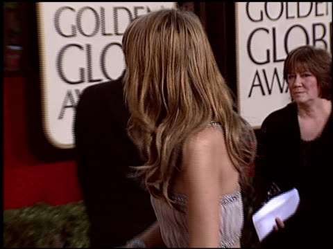 mischa barton at the 2005 golden globe awards at the beverly hilton in beverly hills california on january 16 2005 - ミーシャ・バートン点の映像素材/bロール