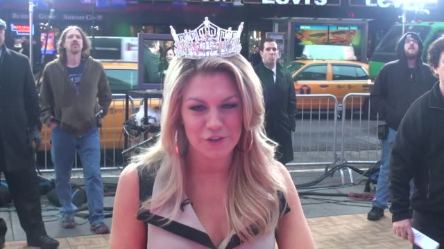 vídeos y material grabado en eventos de stock de miss america, mallory hagan on the set of good morning america in new york, ny, on 1/14/13. - concurso television