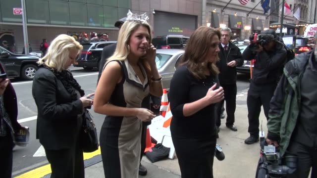 vídeos y material grabado en eventos de stock de miss america, mallory hagan outside of good morning america in new york, ny, on 1/14/13. - concurso television