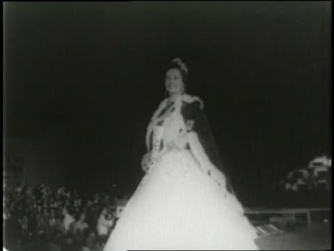 stockvideo's en b-roll-footage met miss america pageant crowns lee ann meriwether the winner in 1954 - 1954