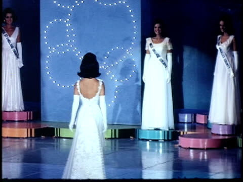 vídeos de stock, filmes e b-roll de miss california beauty contest, san francisco, california, usa - feminidade