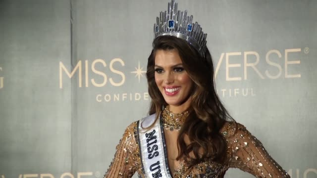 miss france is crowned miss universe in a made for television spectacle free of last year's dramatic mix up but with a dash of political controversy... - reginetta di bellezza video stock e b–roll