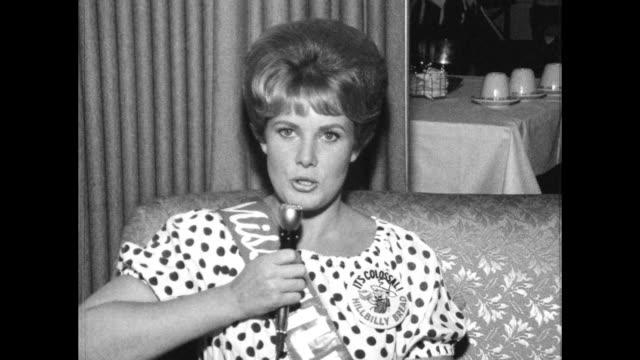 miss hillbilly bread pageant winner interview - 出場者点の映像素材/bロール