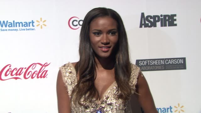 "vídeos y material grabado en eventos de stock de miss universe 2011 leila lopes at ""aspire"" television network launch event at cipriani 42nd street on june 27, 2012 in new york, new york - concurso television"