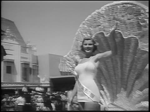 miss universe contestant blowing kisses from float in parade / long beach ca / news - contestant stock videos and b-roll footage