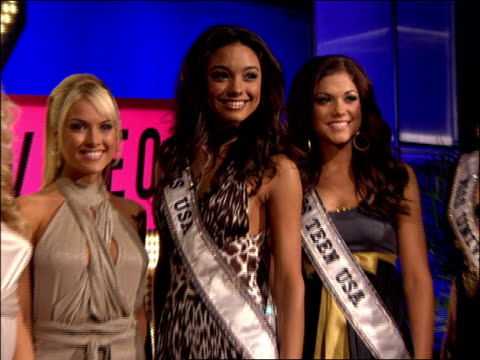 Miss USA Miss Teen USA and Miss Universe Posing on the 2007 MTV Video Music Awards Red Carpet