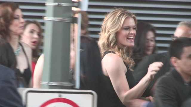 vídeos de stock, filmes e b-roll de missi pyle arrives at 'a haunted house 2' premiere at regal cinemas in on april 16 2014 in los angeles california - missi pyle