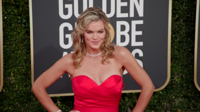 vídeos de stock, filmes e b-roll de missi pyle at 76th annual golden globe awards arrivals at the beverly hilton hotel on january 06 2019 in beverly hills california 4k footage - missi pyle