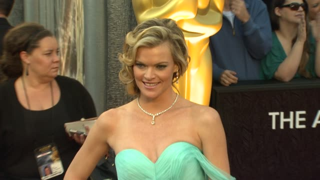 vídeos de stock, filmes e b-roll de missi pyle at 84th annual academy awards arrivals on 2/26/2012 in hollywood ca - missi pyle