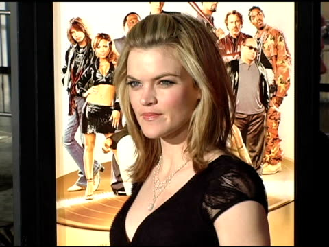 vídeos de stock, filmes e b-roll de missi pyle at the 'be cool' los angeles premiere at grauman's chinese theatre in hollywood california on february 14 2005 - missi pyle
