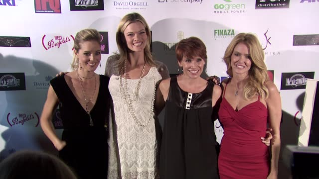 vídeos de stock, filmes e b-roll de missi pyle rene ashton deena dill at the beverly hills film tv new media festival opening night gala at hollywood ca - missi pyle
