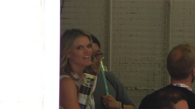 vídeos de stock, filmes e b-roll de missi pyle walking around at comic con in san diego in celebrity sightings at comic con - missi pyle