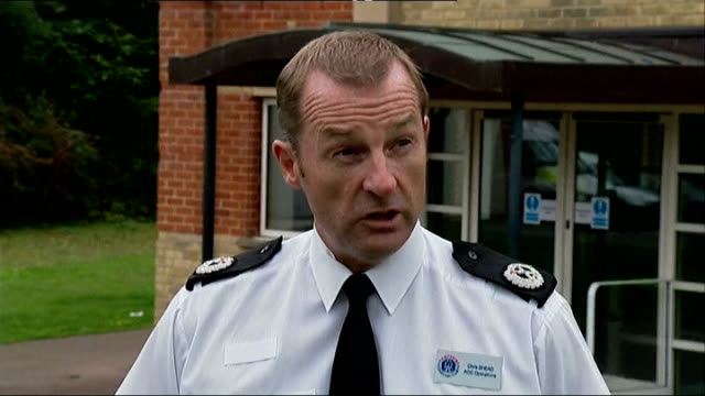 european arrest warrant issued for parents england hampshire southampton ext asst chief constable chris shead speaking to press sot we have obtained... - southampton hampshire stock-videos und b-roll-filmmaterial