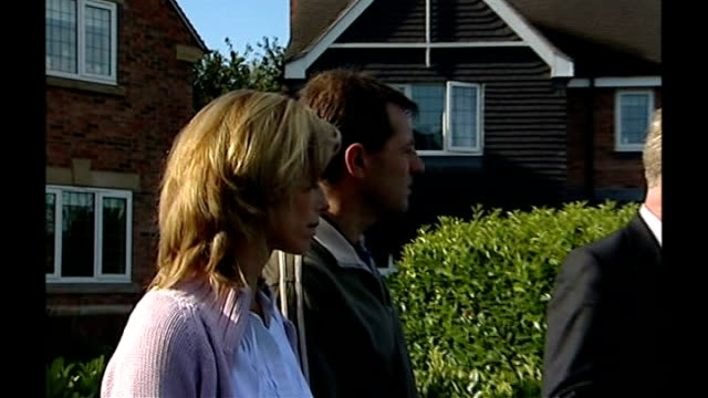 madeleine mccann new image of suspect released 18907 england leicestershire rothley ext kate mccann and gerry mccann beside clarence mitchell as he... - kate mccann stock videos & royalty-free footage
