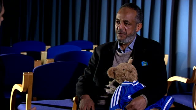 Missing schoolgirls believed to be travelling to Syria Family interviews ENGLAND London INT Abase Hussen interview as holding Amira's teddy bear SOT
