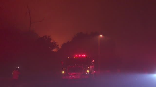 mission viejo, ca, u.s. - silverado fire near homes at night with emergency services in action, on wednesday, october 28, 2020. - fire engine stock videos & royalty-free footage