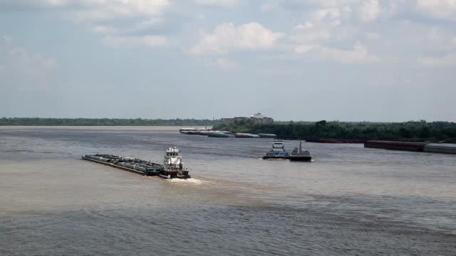stockvideo's en b-roll-footage met mississippi barges - binnenschip