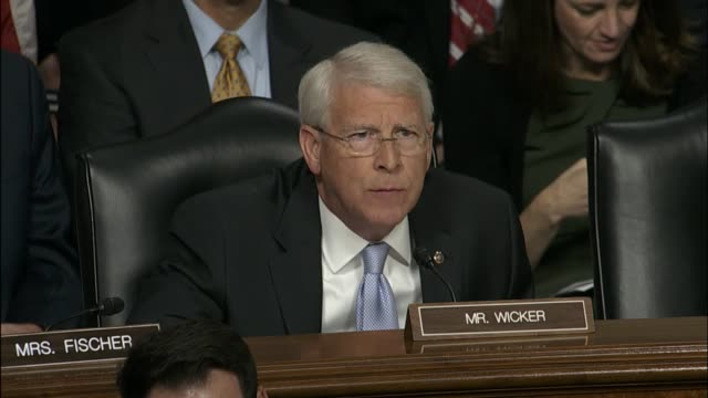 vídeos de stock e filmes b-roll de mississippi senator roger wicker asks defense secretary nominee retired marine corps general james mattis whether he or agrees and not with... - ministério da defesa