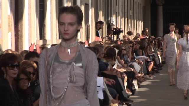 milan fashion week s/s 2010 at the missoni milan fashion week s/s 2010 at milan - missoni stock videos & royalty-free footage