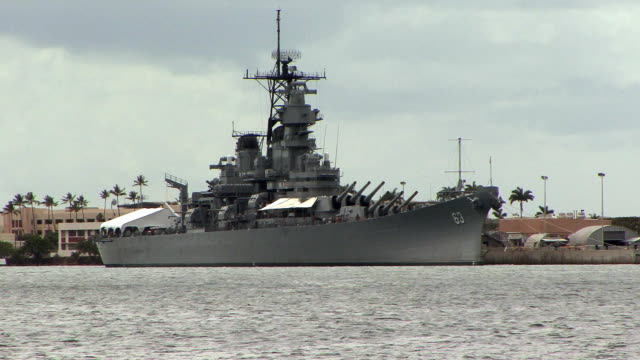 ws uss missouri at pearl harbor naval shipyard / honolulu, hawaii, usa - battleship stock videos & royalty-free footage