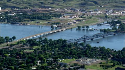 vídeos de stock, filmes e b-roll de missouri inundações-vista aérea-dakota do sul, hughes county, estados unidos - dakota do sul
