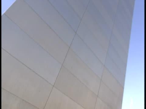cu, tu, la, usa, missouri, st. louis, gateway arch - jefferson national expansion memorial park stock videos & royalty-free footage