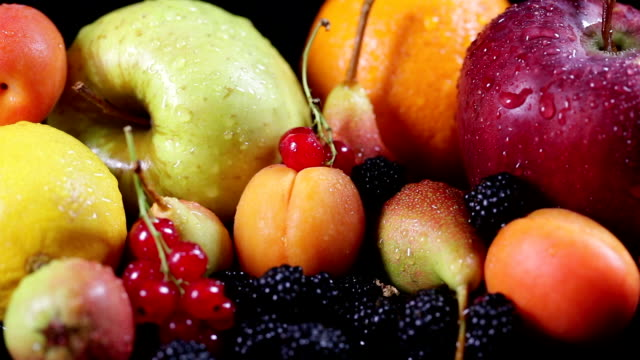 SLO MO Mix of fruits
