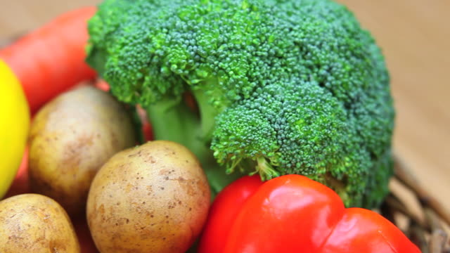 mixed vegetables close-up dolly shot - frische stock videos & royalty-free footage