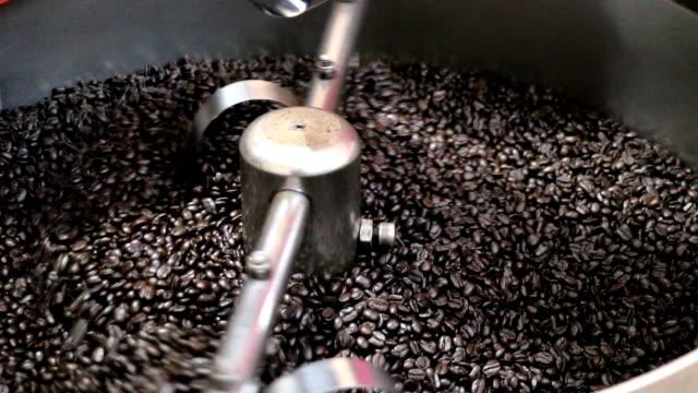 ミキシング焙煎コーヒー - カフェイン分子点の映像素材/bロール