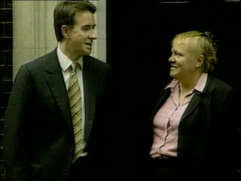 mo mowlam stinging attack on peter mandelson; itn lib from server england: london: 10 downing street: ext former northern ireland secretary doctor mo... - stinging stock videos & royalty-free footage