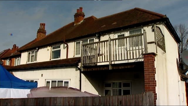 vídeos de stock, filmes e b-roll de gvs house england west midlands birmingham ext police incident van arriving / police along into house of moazzam begg / gvs of house with vehicles... - moazzam begg