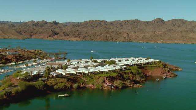 zo, ws, ha, mobile home park on lake havasu, lake havasu city, arizona, usa - fan palm tree stock videos & royalty-free footage