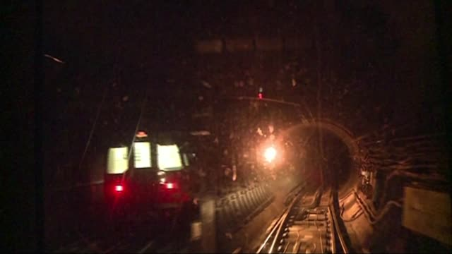mobile phone coverage could soon be offered on london underground r12011507 / 1212015 london s point of view shot from tube train along through... - london underground stock videos & royalty-free footage