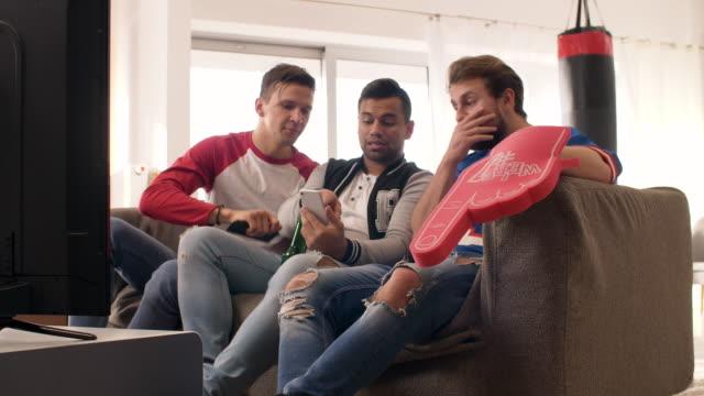 stockvideo's en b-roll-footage met mobile phone/ debica/ poland - medium group of people