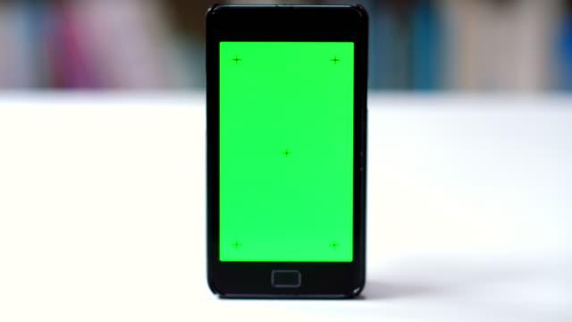 4K DOLLY: Mobile phone screen chroma