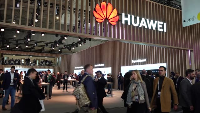 mobile world congress 2019, in barcelona, spain, on february 25, 2019. the gsma mobile world congress is the world's largest exhibition for the... - 1日目点の映像素材/bロール