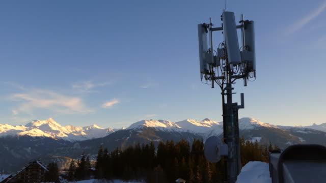 モバイル/gsmアンテナ - 周波数点の映像素材/bロール