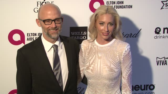vídeos de stock, filmes e b-roll de moby at 23rd annual elton john aids foundation academy awards viewing party sponsored by chopard neuro drinks and wells fargo in los angeles ca - festa do oscar
