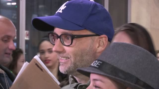 moby greets fans in hollywood 07/17/12 - モービー点の映像素材/bロール